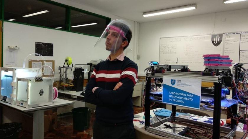 Departamento de Engenharia Mecânica está a produzir este material através da impressão em 3D. Foto: DR