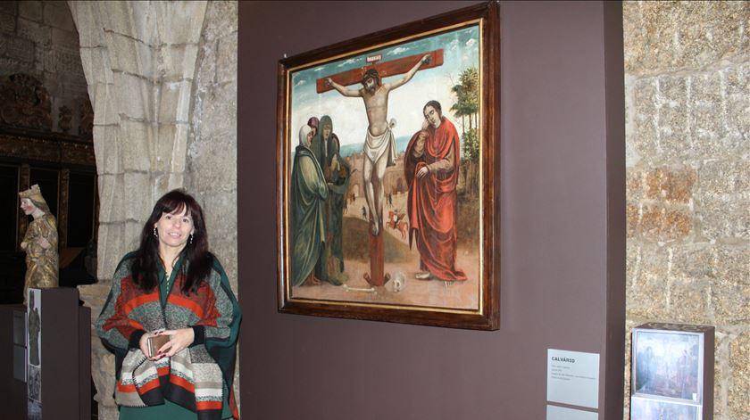 Fátima Eusébio é a curadora da exposição. Foto: Liliana Carona/RR