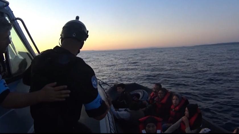 Polícia Marítima resgata de águas gregas 82 pessoas, incluindo 32 crianças