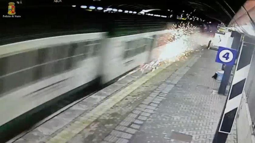 Itália. Polícia divulga imagens do acidente de comboio