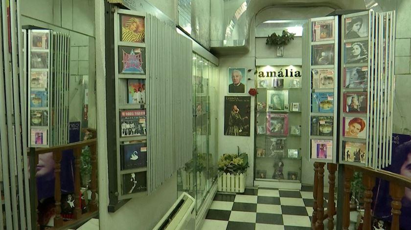 Discoteca Amália atendeu quatro clientes em três semanas. Lojas sofrem com quebra no turismo