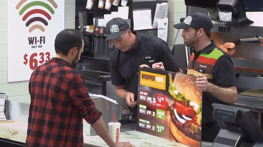 A neutralidade da internet explicada em hambúrgueres