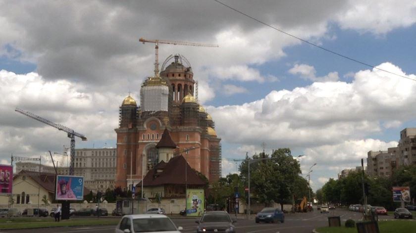 Uma catedral em obras e uma agenda complexa. O que espera o Papa na Roménia