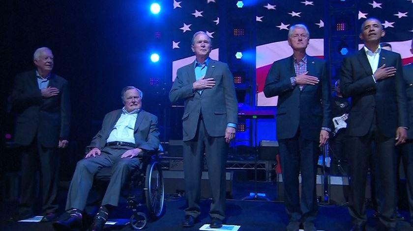 Ex-presidentes dos EUA juntam-se para angariar dinheiro para vítimas de furacões