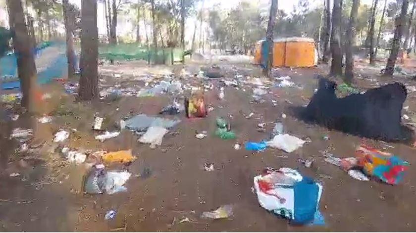Depois do festival, fica o lixo. Imagens denunciam incúria na Zambujeira do Mar