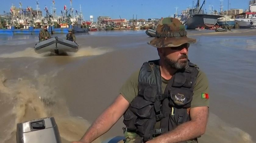 Marinha Portuguesa distribui 800 quilos de ajuda em Moçambique