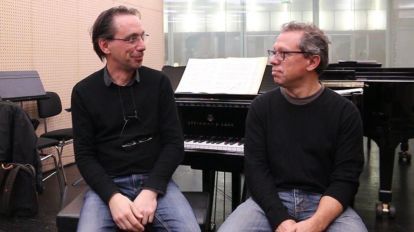 """Laginha desafia Burmester. O resultado é um """"concerto para dois pianos"""""""