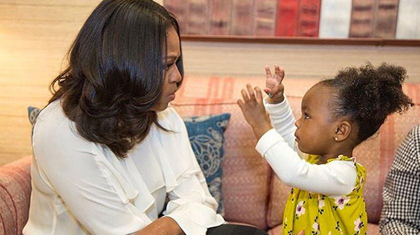 A menina que se deslumbrou com o retrato de Michelle Obama