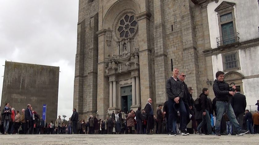 """""""Disponível"""", """"próximo"""" e """"humilde"""". Porto acolheu o novo bispo"""