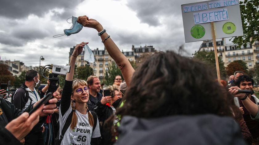 França volta a registar quase 16 mil novos casos em 24 horas