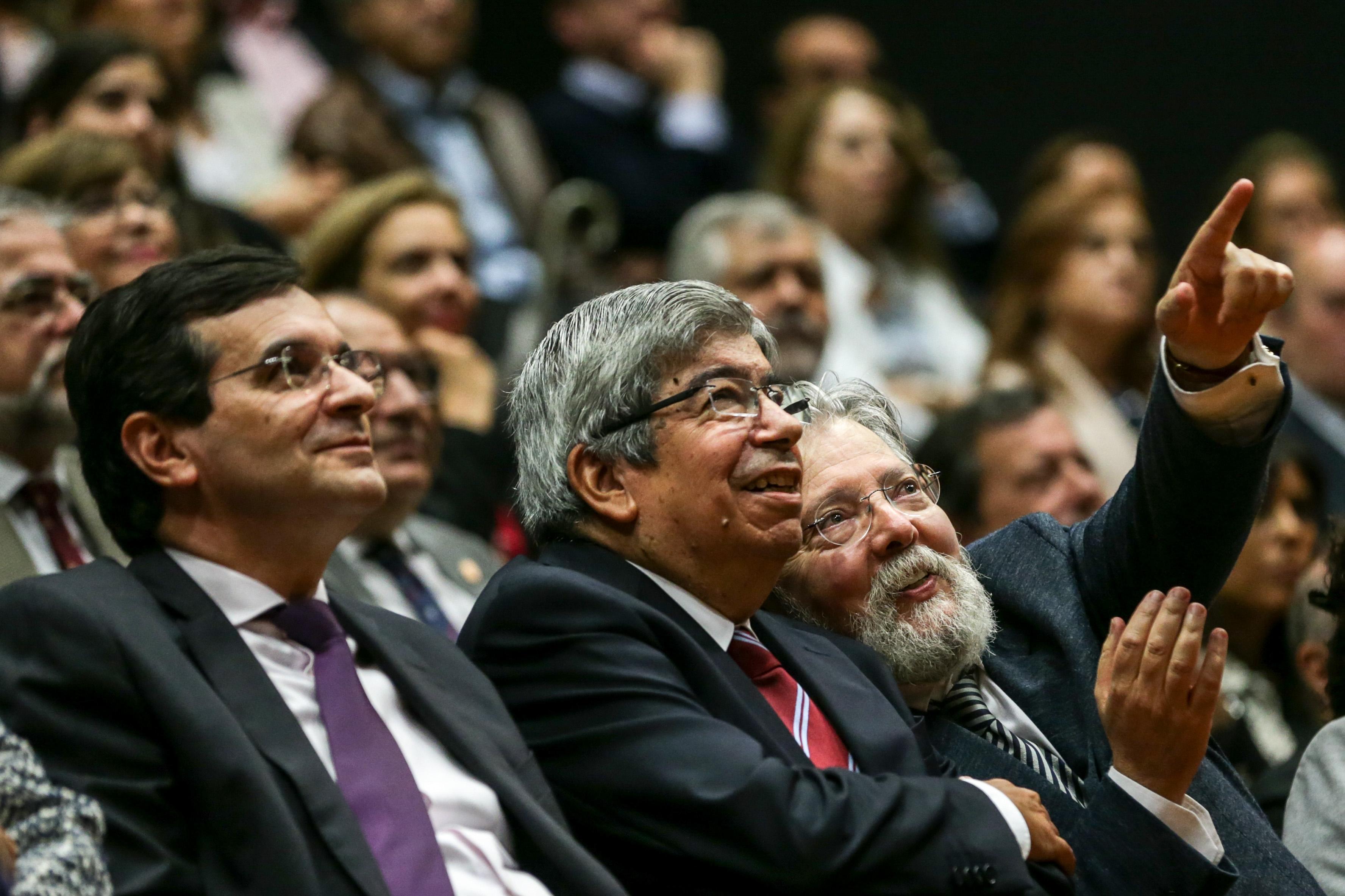 Presidente da República vai condecorar Francisco George