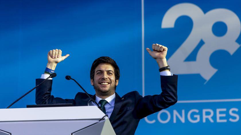"""Novo líder promete CDS """"sexy"""" e anuncia propostas para Segurança Social e polícias"""