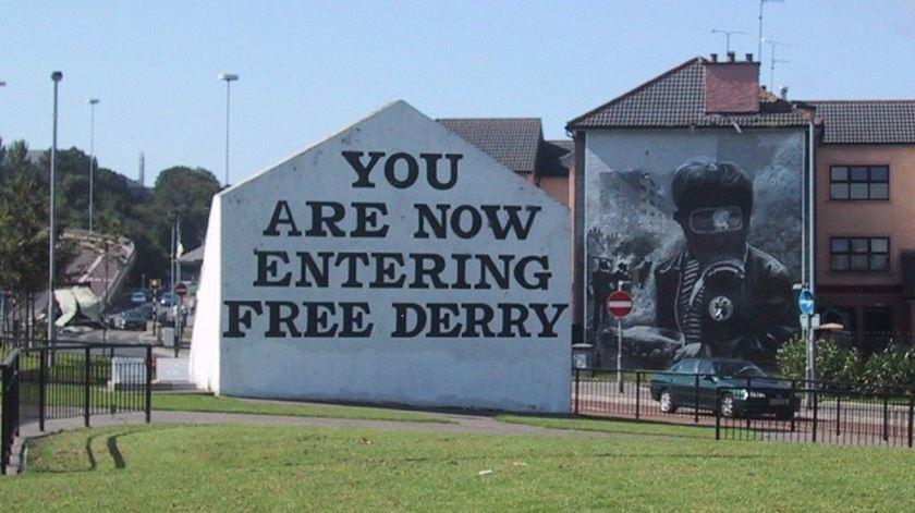 O vírus trouxe de volta as divisões entre norte e sul na Irlanda