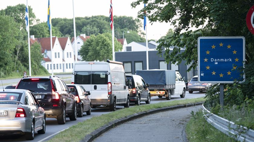 Restrições na fronteira entre a Dinamarca e a Alemanha, por causa da pandemia. Foto: Claus Fisler/EPA