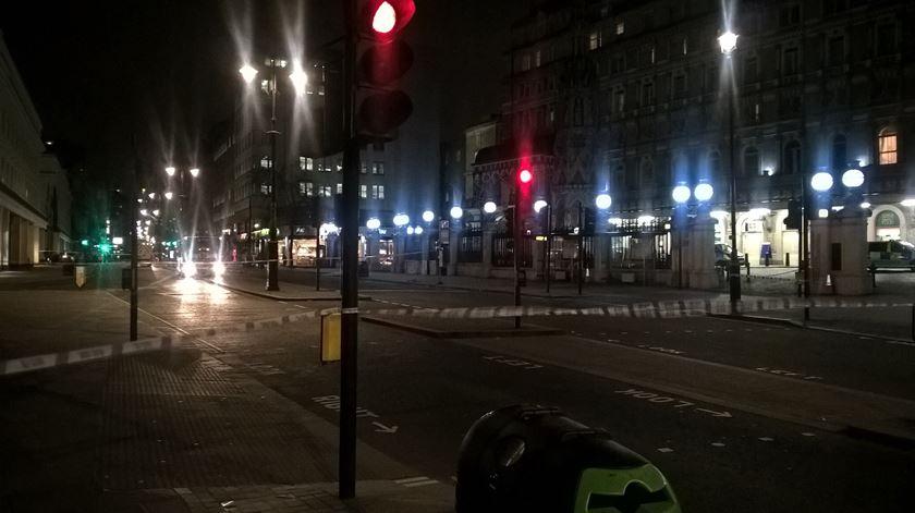Londres. Fuga de gás obriga a evacuar hotel e discoteca