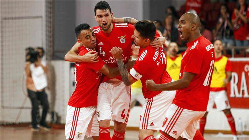 Benfica conquista torneio de futsal no Algarve