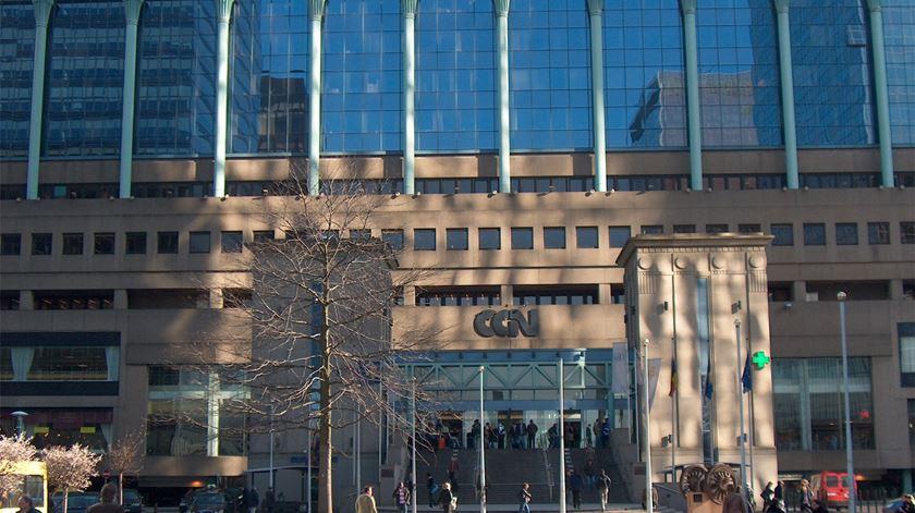 Alerta em Bruxelas. Polícia investiga ameaça de bomba em estação de comboios
