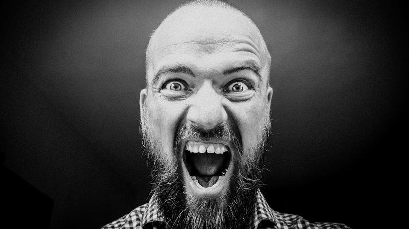 A voz consegue transmitir pelo menos 24 emoções não verbais
