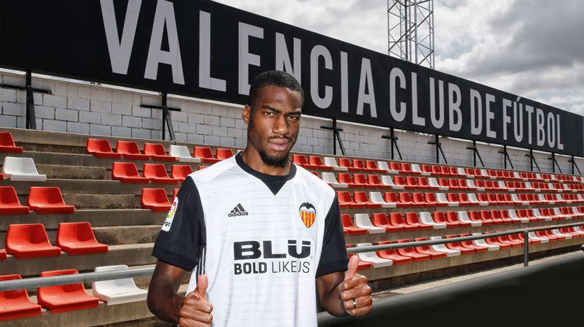 Valencia apresenta Kondogbia