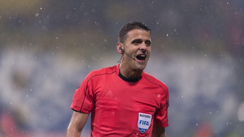 Gil Manzano estará na Turquia para dirigir o jogo do Benfica na Liga Europa. Foto: Maurizio Borsari/Reuters