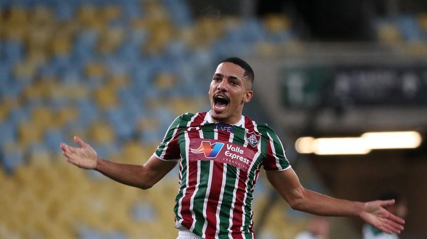 Gilberto com viagem marcada para assinar pelo Benfica