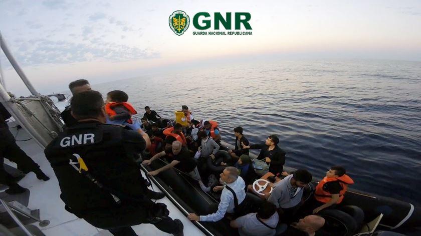 GNR resgata 87 migrantes no mar Egeu