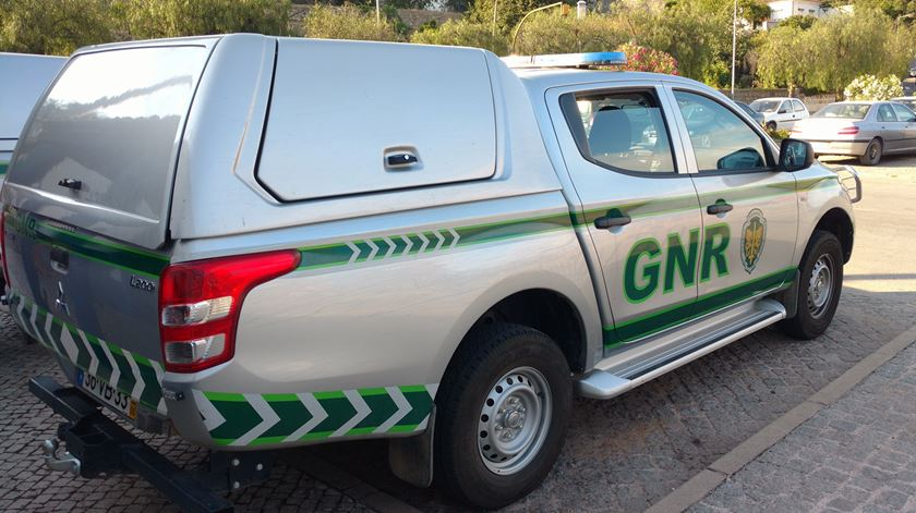 Alegada vítima de violência doméstica mata companheiro e entrega-se à GNR
