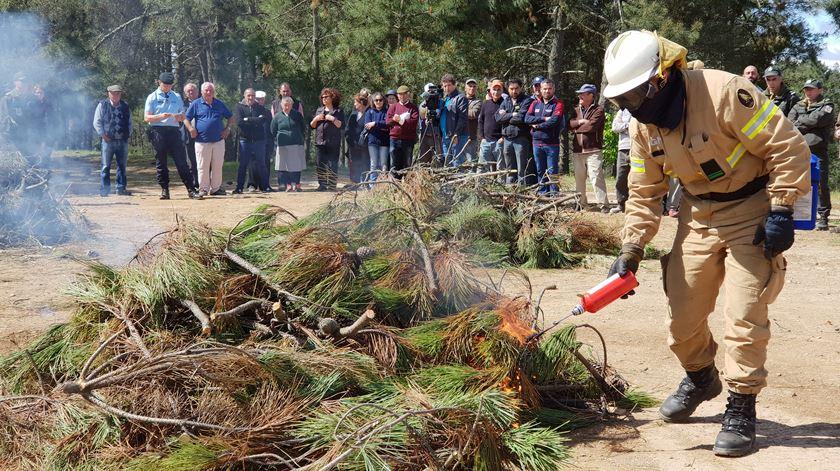 GNR ensina a fazer queimadas seguras. Foto: Olímpia Mairos/RR