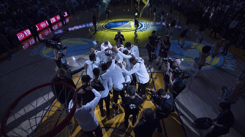 Warriors bateram os Thunder na Oracle Arena, em Oakland. Foto: Kyle Terada/Reuters