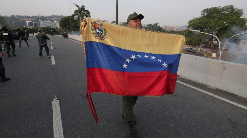 Venezuela. População sai à rua a pedido de Guaidó