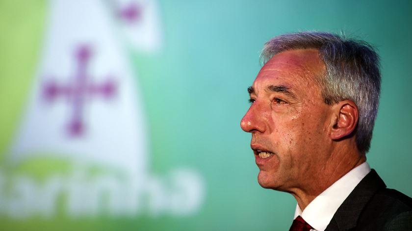 Ministro garante que está a reverter desinvestimento na Defesa