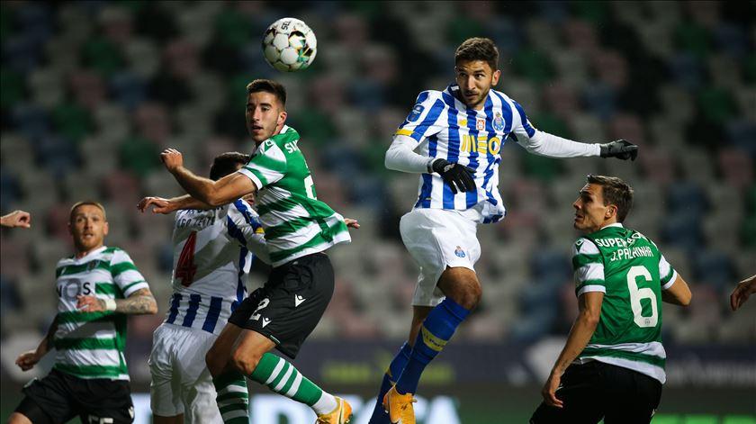 """FC Porto recebe Sporting no clássico do """"tudo por tudo"""" para as duas equipas"""