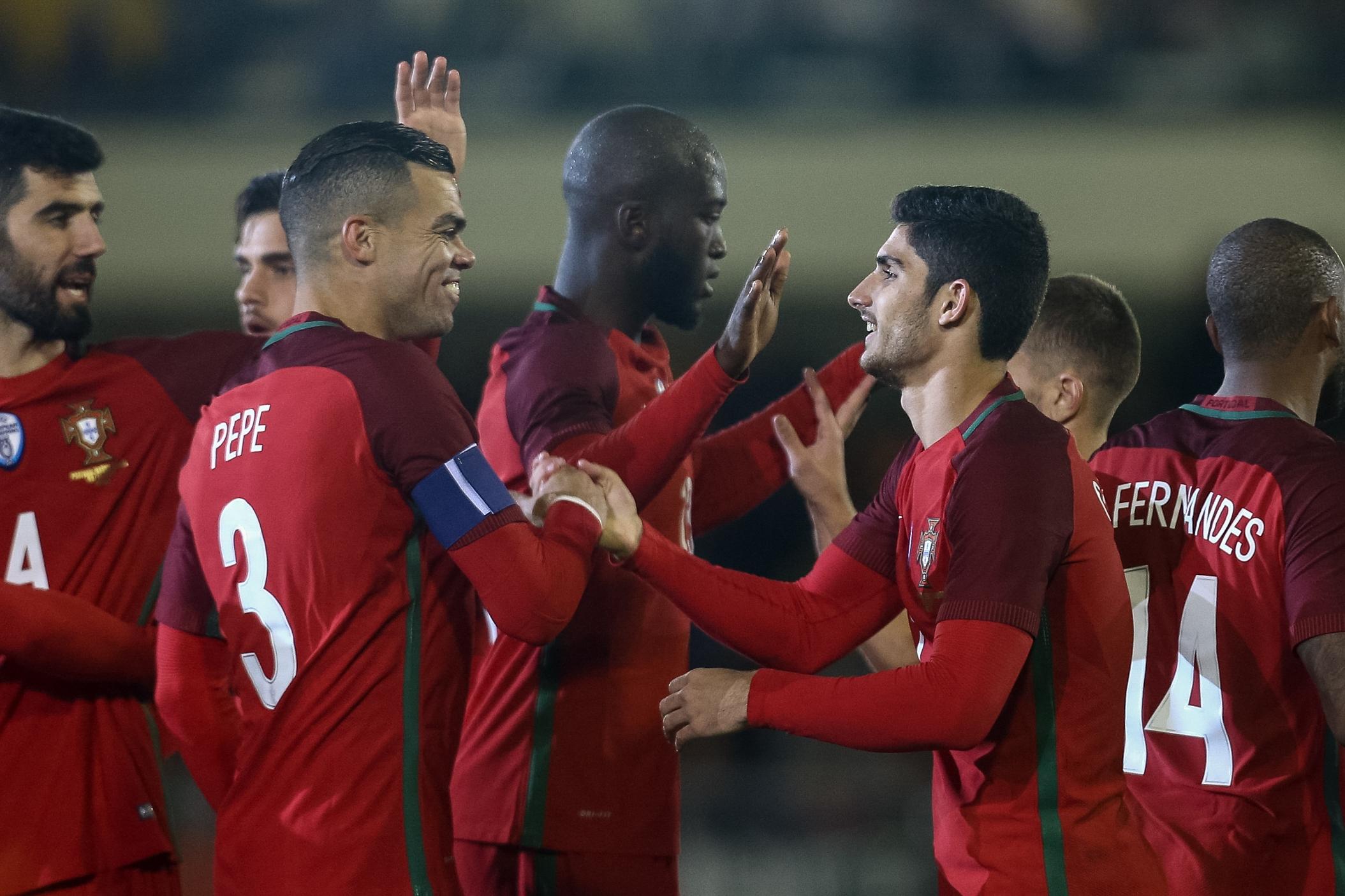 Portugal vence Arábia e Fernando Santos ganha boas dores de cabeça — Crónica