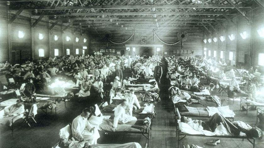Estima-se que a gripe espanhola tenha infetado 500 milhões de pessoas. Foto: Wikipédia