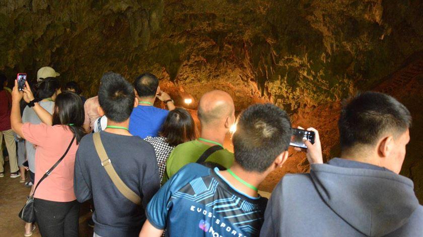 Gruta da Tailândia onde ficaram retidos 12 rapazes abre como atração turística