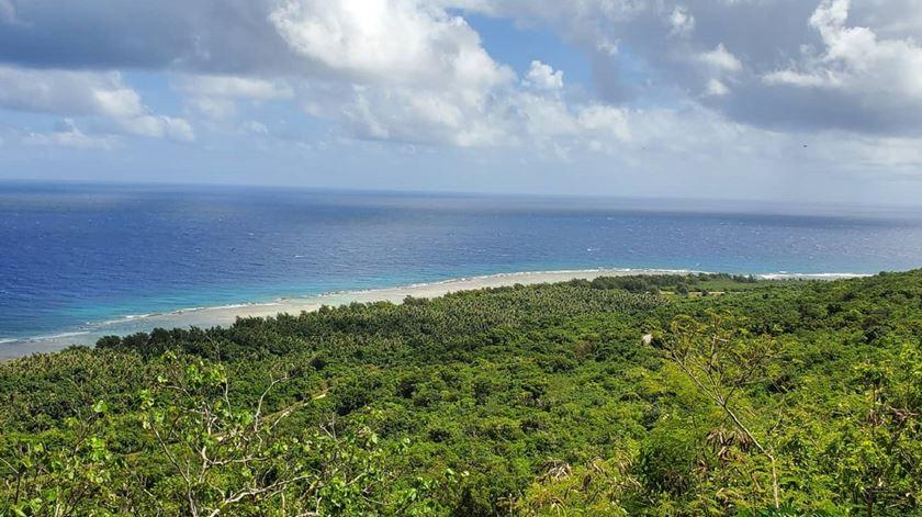 Em Guam, entre o coronavírus e os drongos