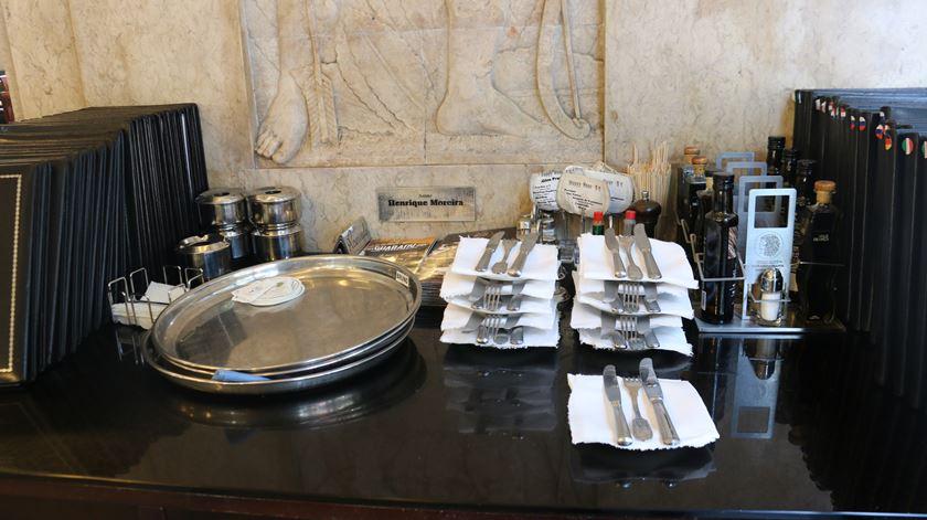 Dois restaurantes encerrados em Grândola devido a surto que já infetou 18 pessoas