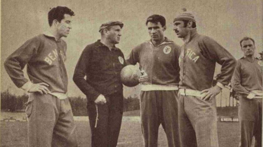Guttmann com José Augusto, José Águas e Germano. Foto: SL Benfica