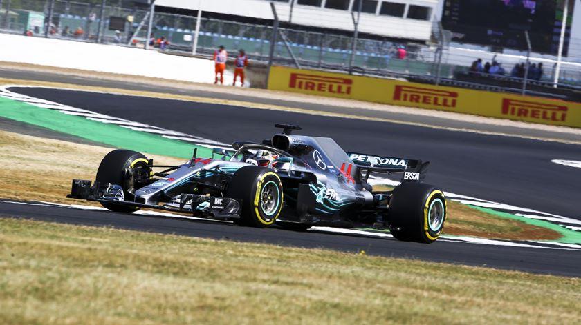 Hamilton mandão em Silverstone. Foto: EPA