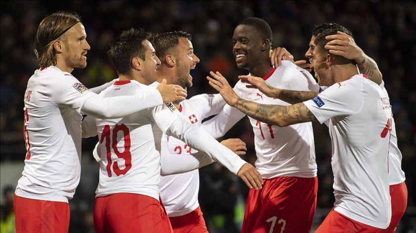 Liga das Nações. Seferovic mantém Suíça na luta