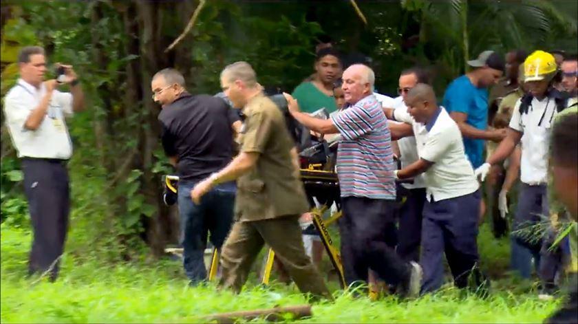 Queda de avião em Havana provoca número indeterminado de vítimas. Há três sobreviventes