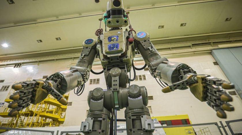 Rússia envia primeiro robô humano para o espaço