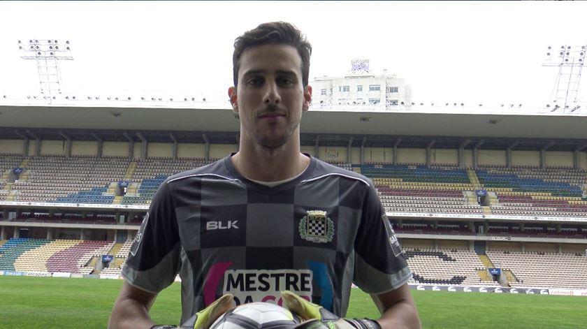 Treinador do Boavista defende que Helton Leite tem lugar no Benfica