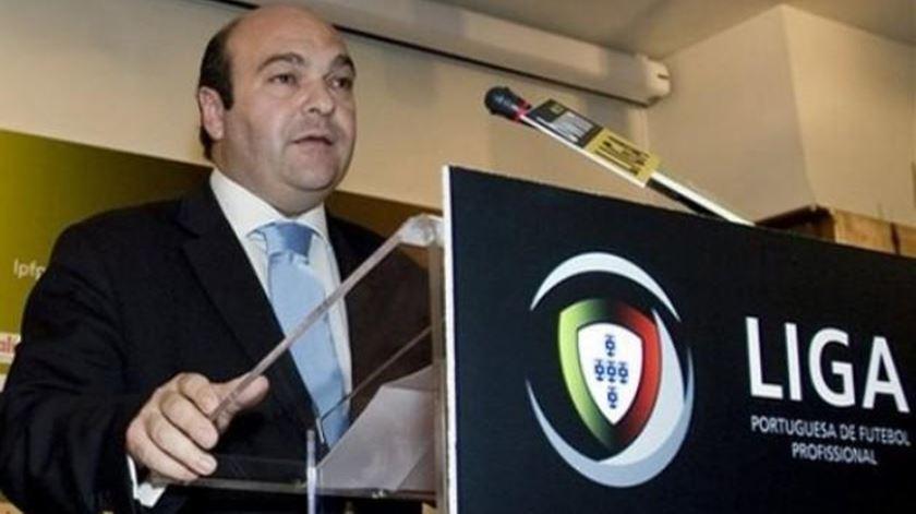 Hermínio Loureiro suspende mandato na FPF