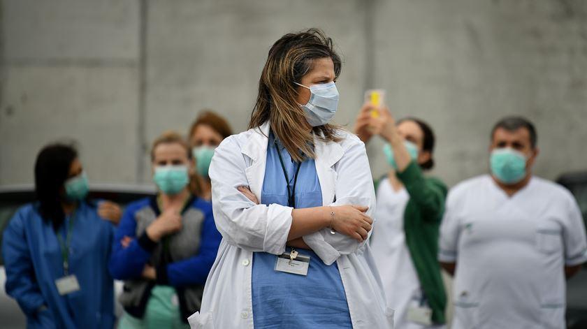 Sobe para 33 número de profissionais de saúde infetados em surto no hospital de Beja
