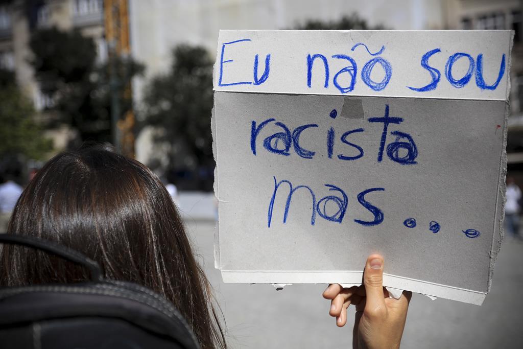 Manifestação-homenagem ao ator Bruno Candé, assassinado em Moscavide. Foto: Manuel Fernando Araújo/Lusa