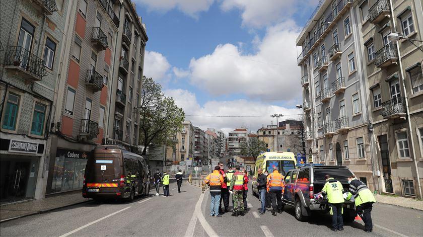Covid-19. Estrangeiros infetados em hostel de Lisboa já estão de quarentena na Base da Ota