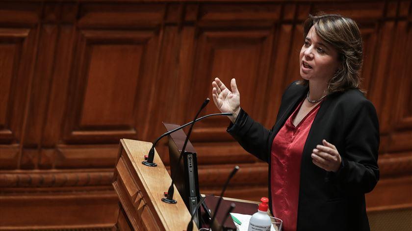 Se PS quiser negociar, não há razão para precisar de Rui Rio, diz Catarina Martins