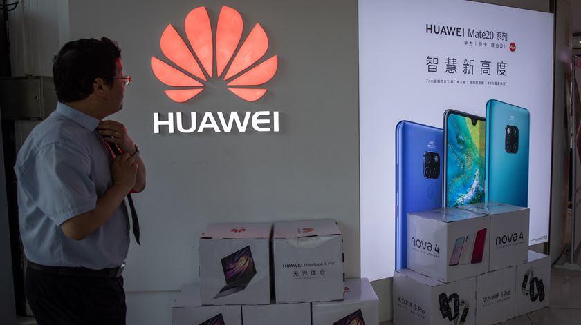 Huawei sem Google. O que vai acontecer aos nossos telemóveis?