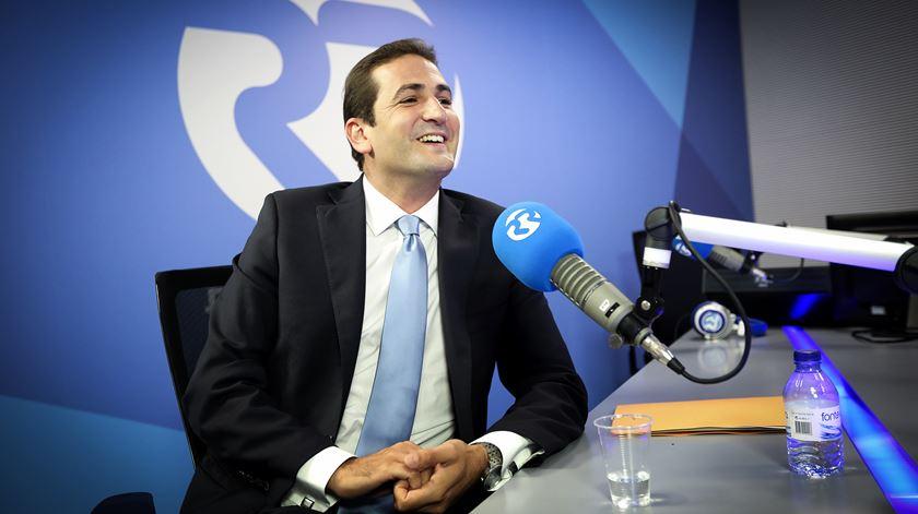 """Ferro Rodrigues desrespeita o Parlamento"", acusa o novo líder parlamentar do PSD"